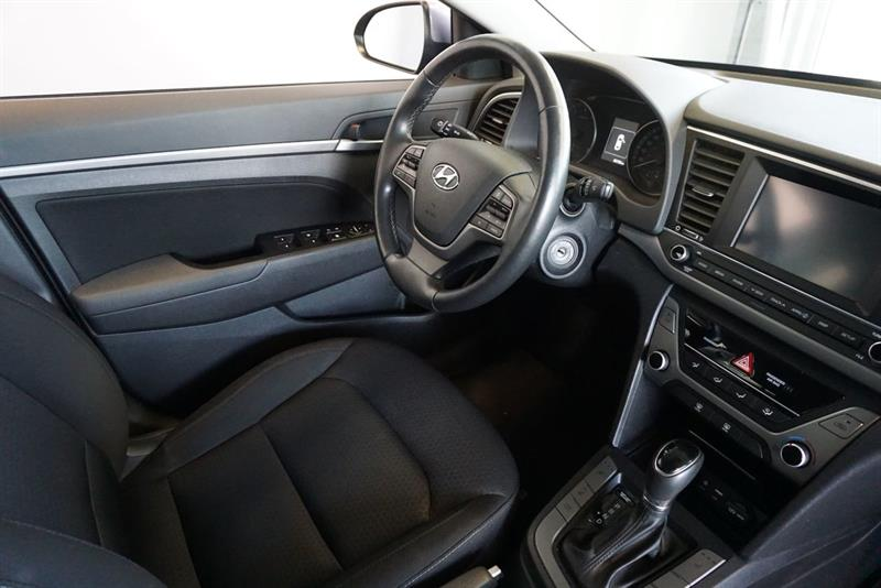 Hyundai Elantra Sedan 39