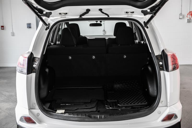 toyota RAV4 Hybrid 2016 - 19