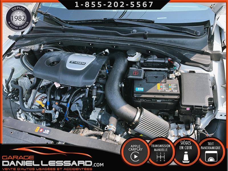 Hyundai Elantra GT 37