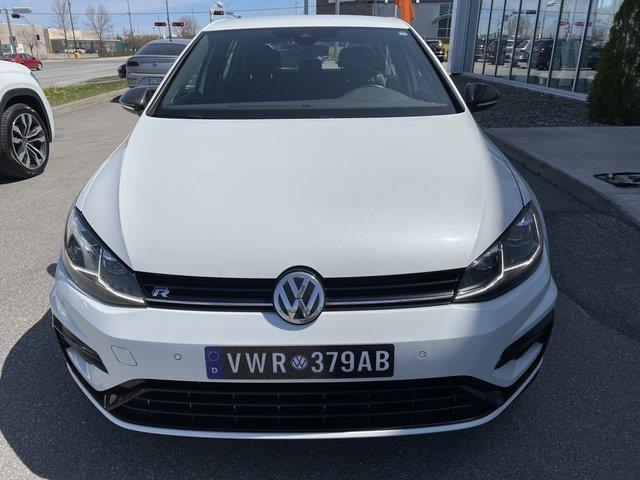 Volkswagen Golf R 8