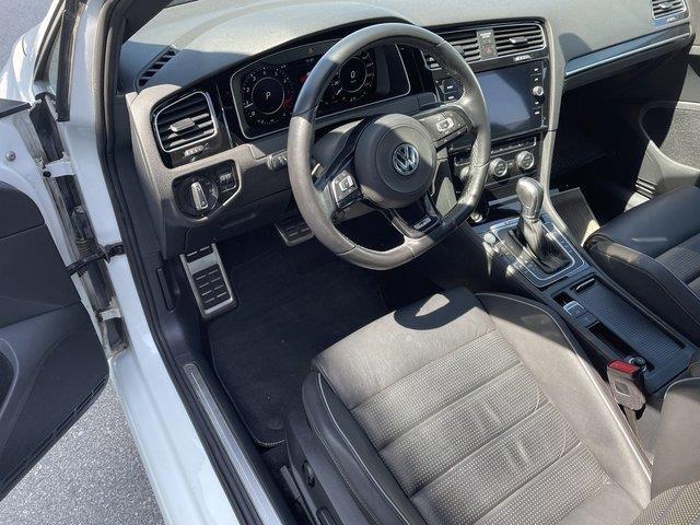 Volkswagen Golf R 9