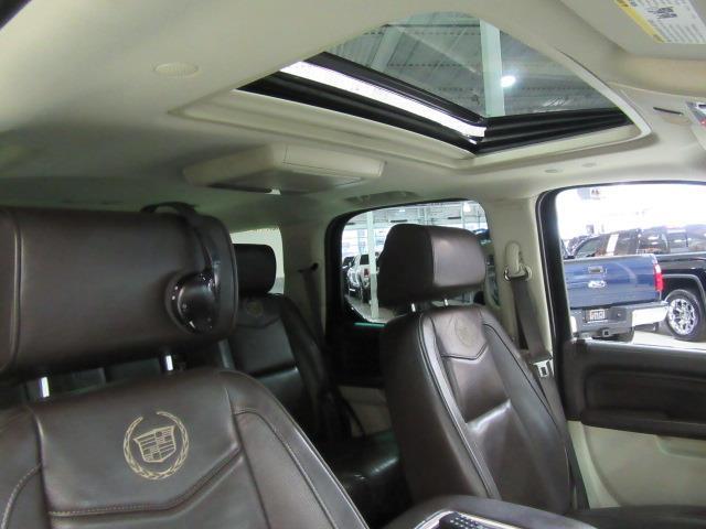 Cadillac escalade awd platinum edition 2013 occasion for Escalade interieur quebec