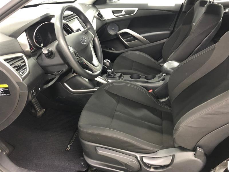 Hyundai Veloster 7
