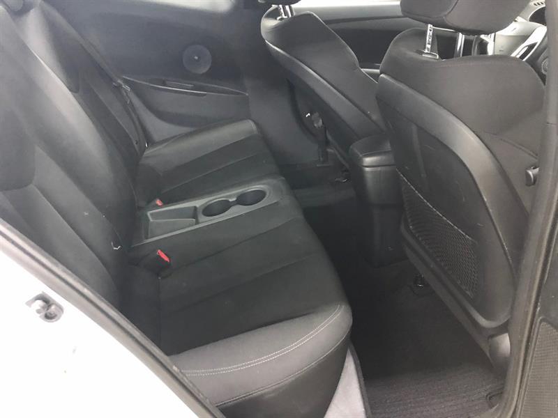 Hyundai Veloster 10