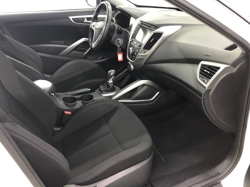 Hyundai Veloster 14