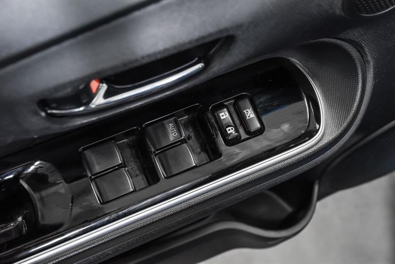 toyota Prius c 2016 - 18