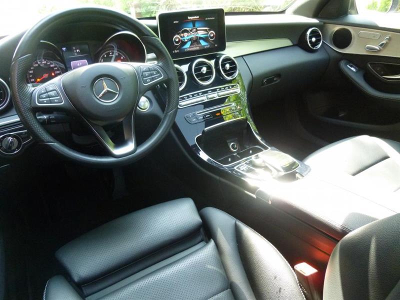 Mercedes-Benz C-Class Sedan 3