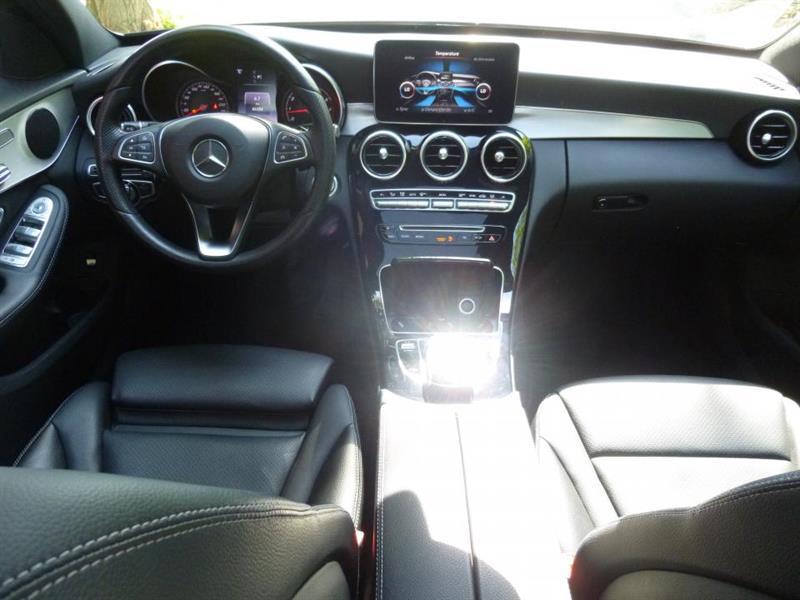 Mercedes-Benz C-Class Sedan 12