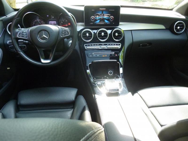 Mercedes-Benz C-Class Sedan 15