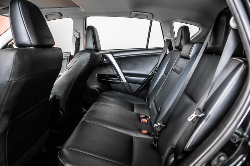 toyota RAV4 hybride 2017 - 35