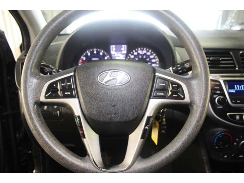 Hyundai Accent 30