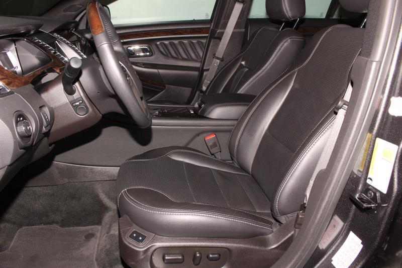 Ford Taurus 15