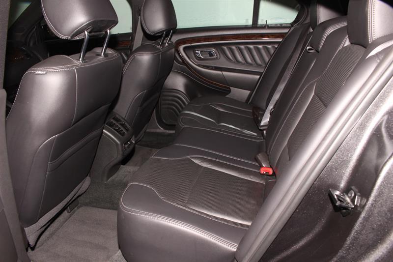 Ford Taurus 17