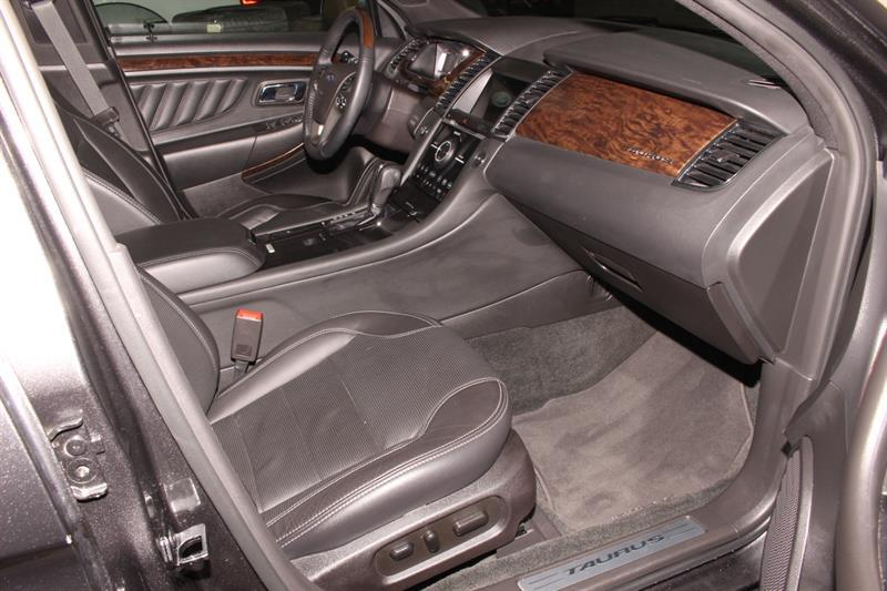 Ford Taurus 21