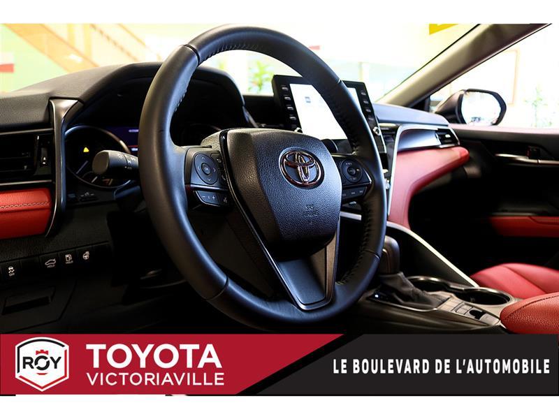 Toyota Camry Hybrid 8