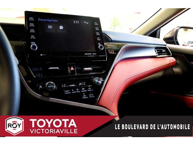 Toyota Camry Hybrid 19