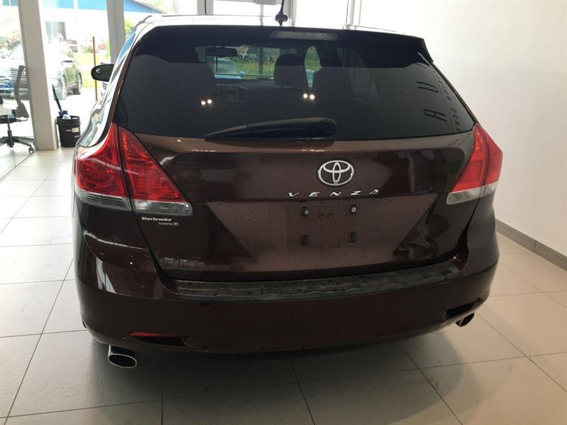 Toyota Venza 5