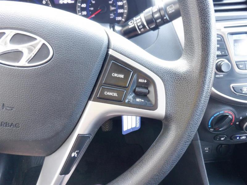 Hyundai Accent 23