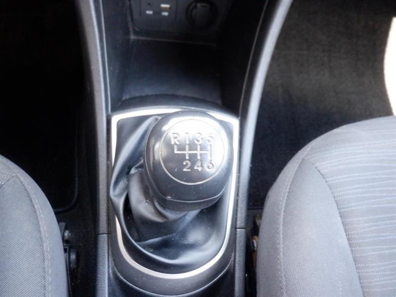 Hyundai Accent 26