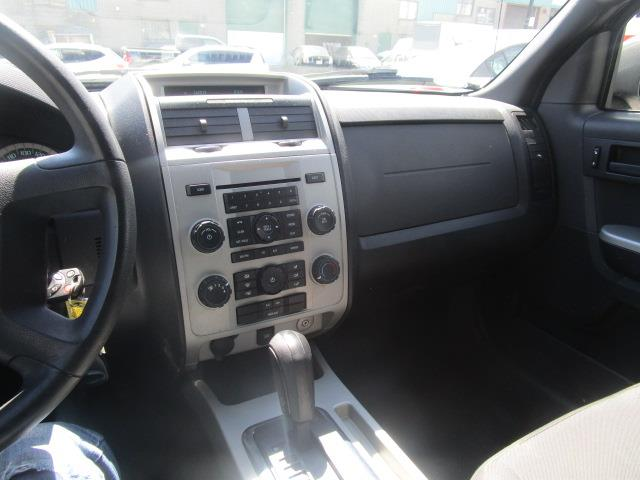 Mercedes-Benz 180 32