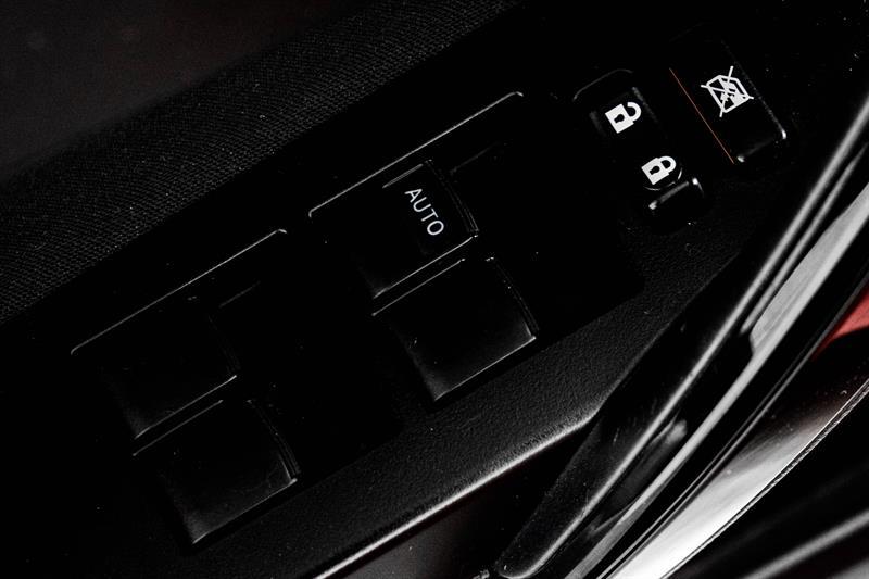 toyota Corolla iM 2018 - 18