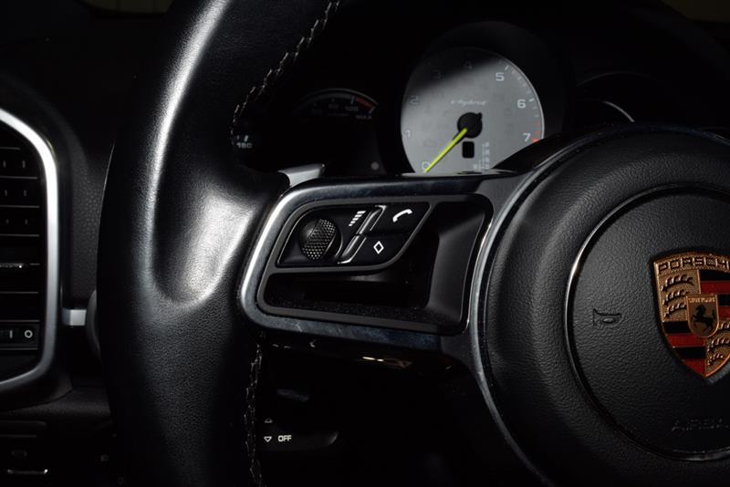 Porsche Cayenne 26