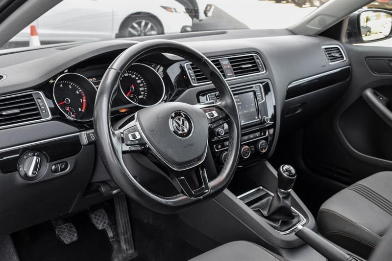 Volkswagen Jetta Sedan 9