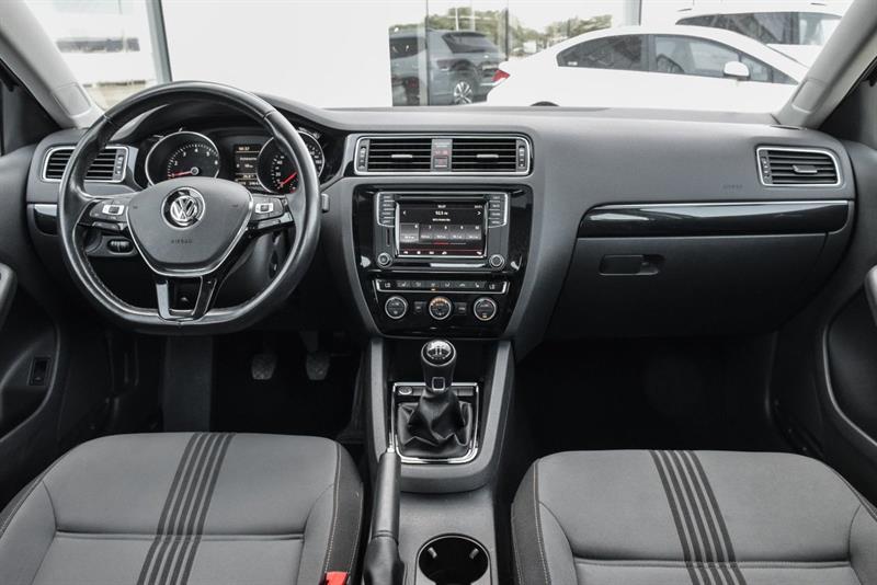 Volkswagen Jetta Sedan 13