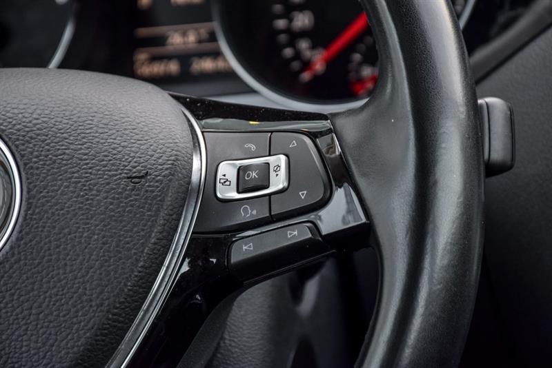 Volkswagen Jetta Sedan 18