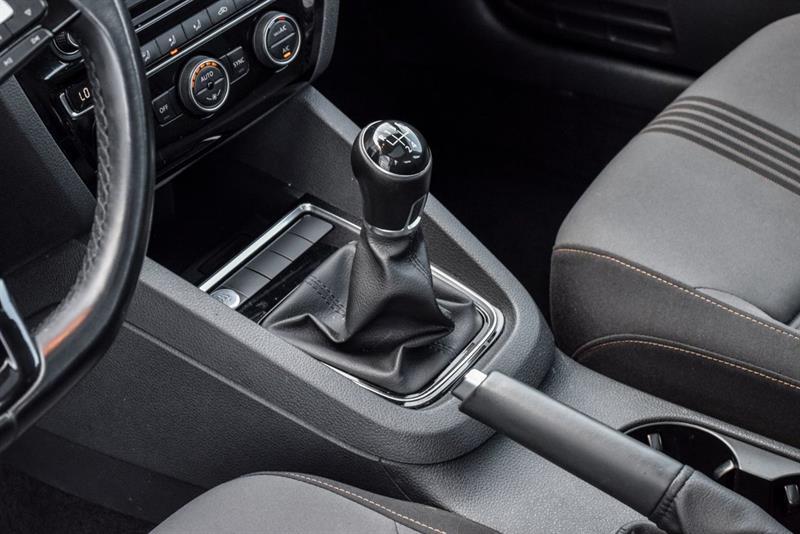 Volkswagen Jetta Sedan 23