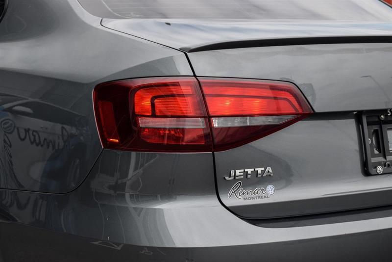 Volkswagen Jetta Sedan 24