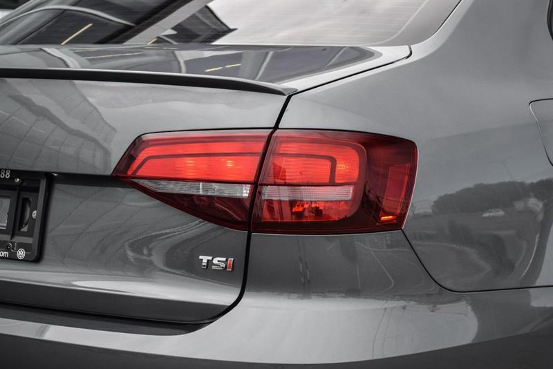 Volkswagen Jetta Sedan 25