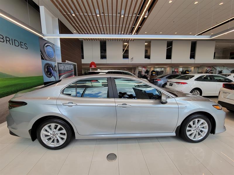toyota Camry Hybrid 2021 - 13