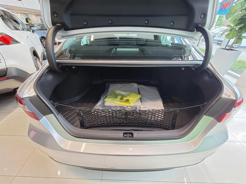 toyota Camry Hybrid 2021 - 17