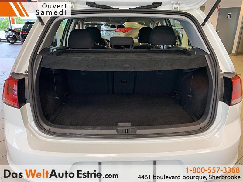 Volkswagen Golf 5-Door 4