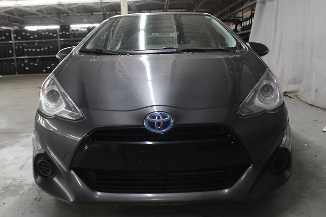 toyota Prius c 2015 - 2