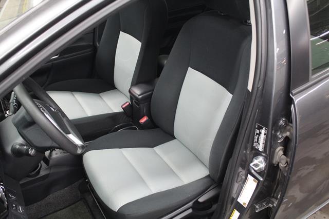 toyota Prius c 2015 - 10