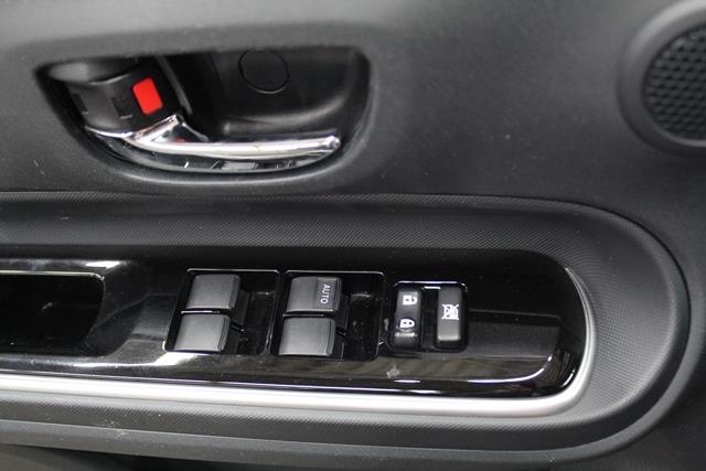 toyota Prius c 2015 - 11