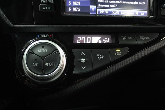 toyota Prius c 2015 - 17