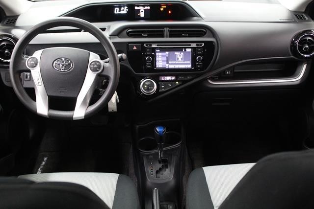 toyota Prius c 2015 - 27