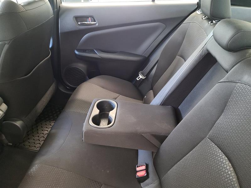 toyota Prius 2019 - 10