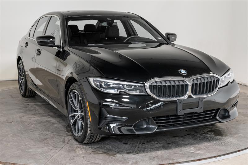 BMW Série 3 2021 330i xDrive Cuir Toit GPS Sièg