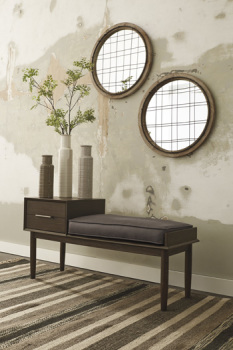 Ashley Accent Bench/Gavinville/Brown
