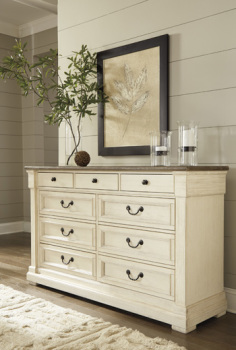 Ashley Dresser/Bolanburg/Two-tone