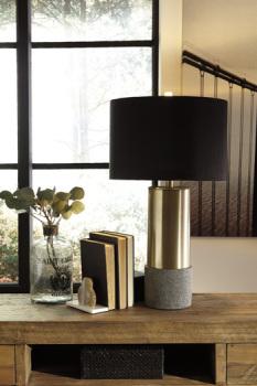 Metal Table Lamp (2/CN)/Jacek