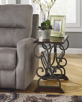 Ashley Chair Side End Table/Braunsen