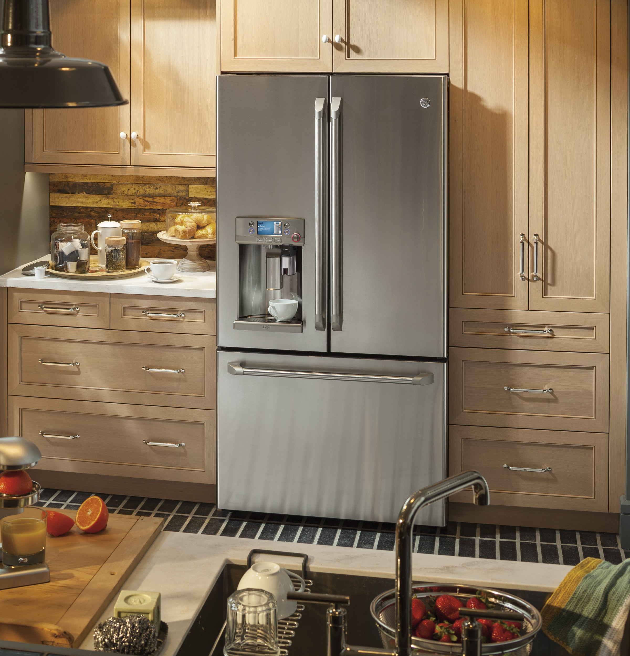 GE Café™ Series ENERGY STAR® 22.2 Cu. Ft. Counter Depth French