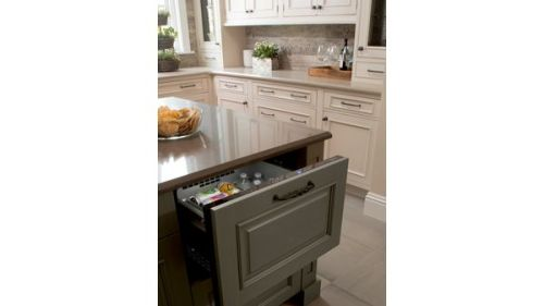 """Model: T24UC900DP 