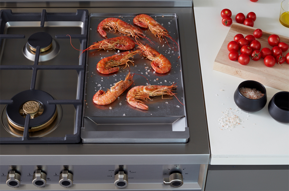 "Model: PROF486GGASROT | Bertazzoni 48"" Professional Series range - Gas Oven - 6 brass burners + griddle"