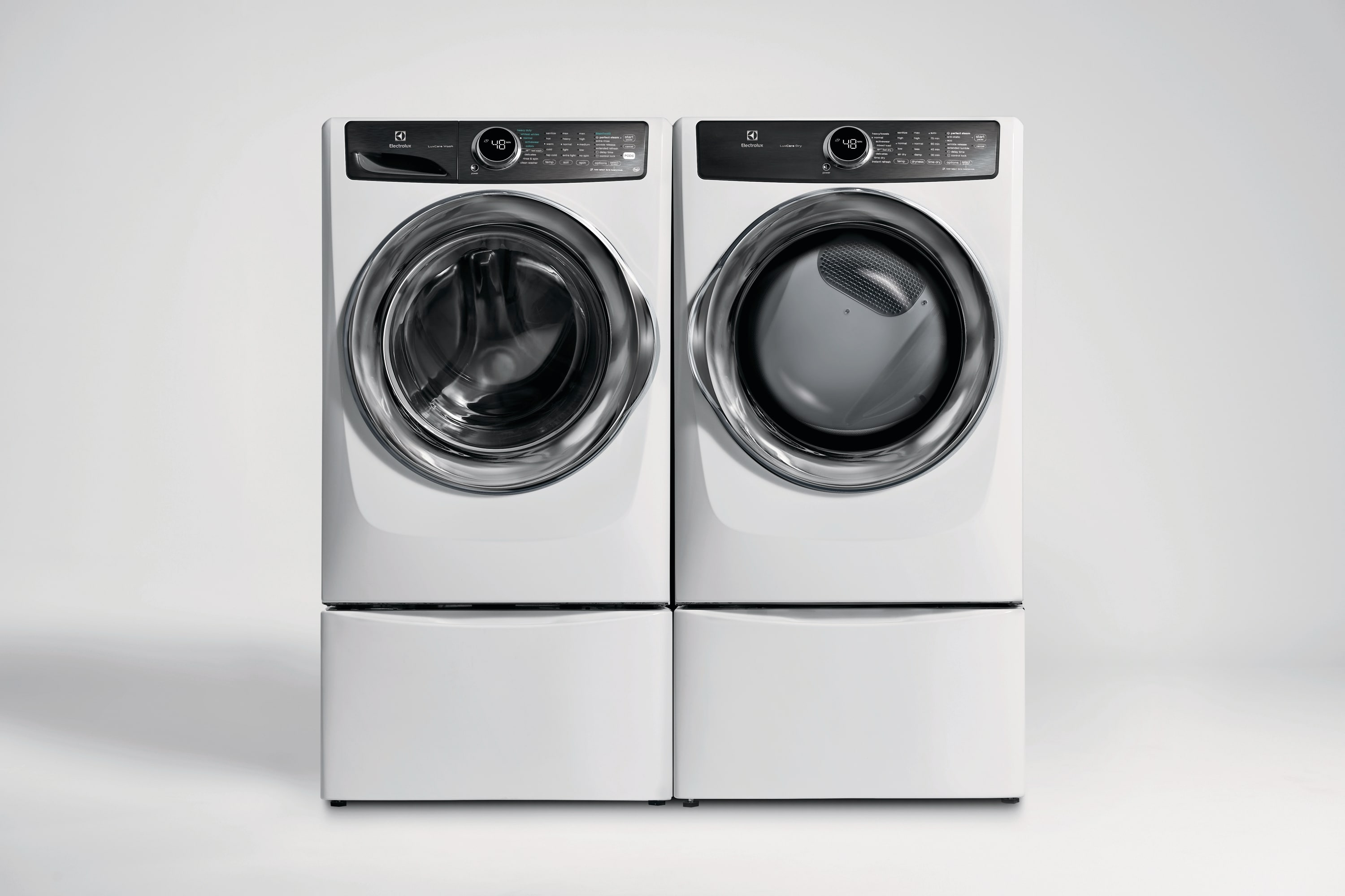 Front Load Perfect Steam™ Gas Dryer with LuxCare® Dry and Instant Refresh - 8.0 Cu. Ft.
